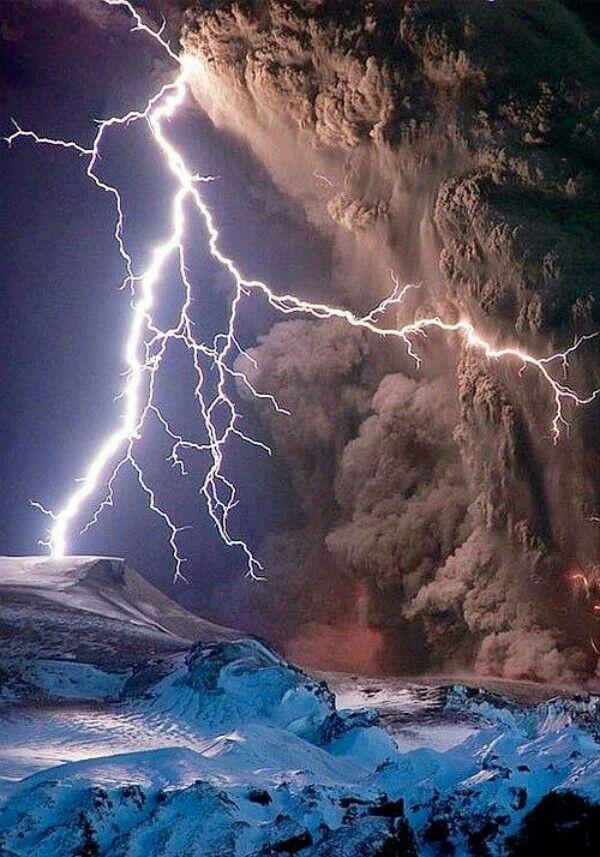 Volcanic Lightning @ Iceland