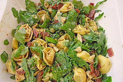 Tortellini-Rucola-Salat mit Pesto und Parmesan (Rezept mit Bild) | Chefkoch.de