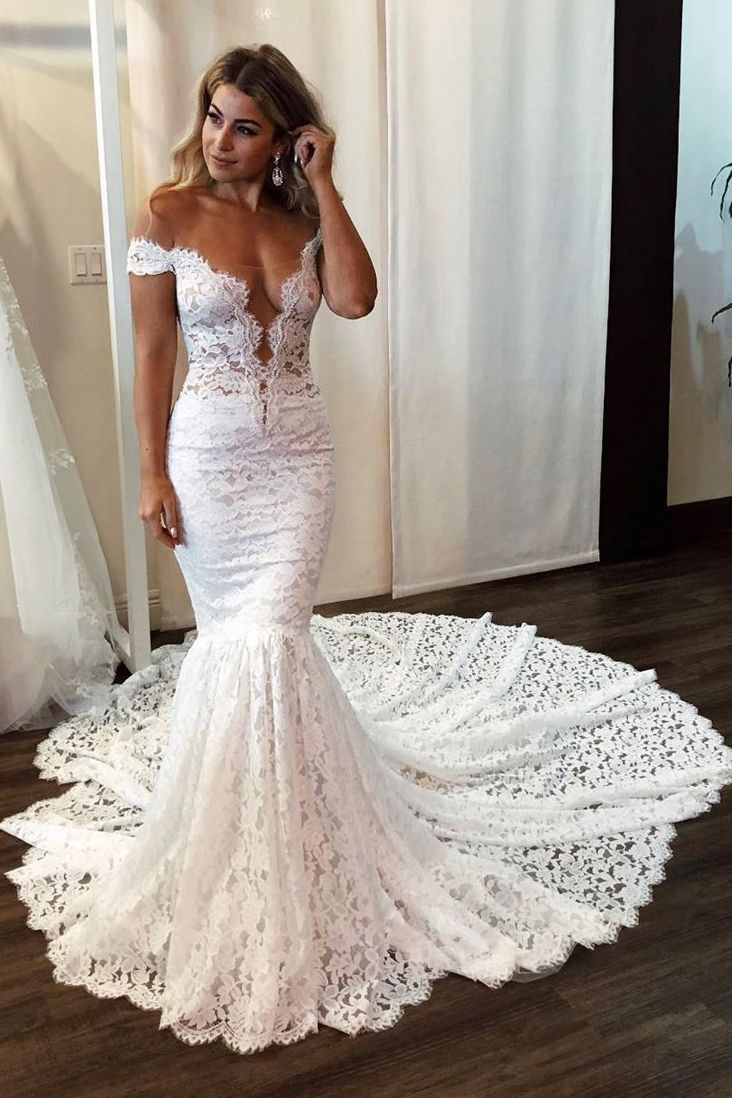 Gorgeous Mermaid White Lace Wedding Dress with Train