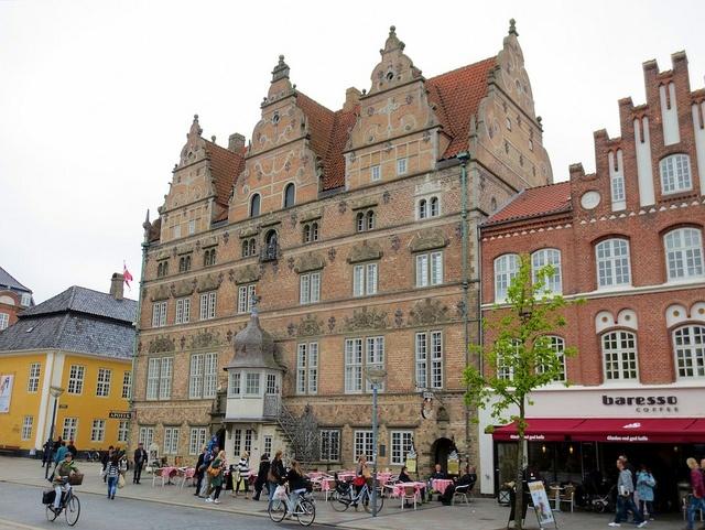 Travel g c Jutland:Denmark:Nightlife.