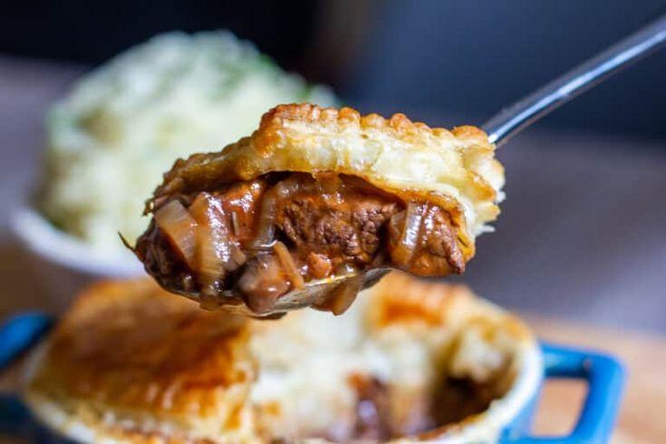 Slow Cooker Steak Pie | Recipe in 2020 | Slow cooker steak ...