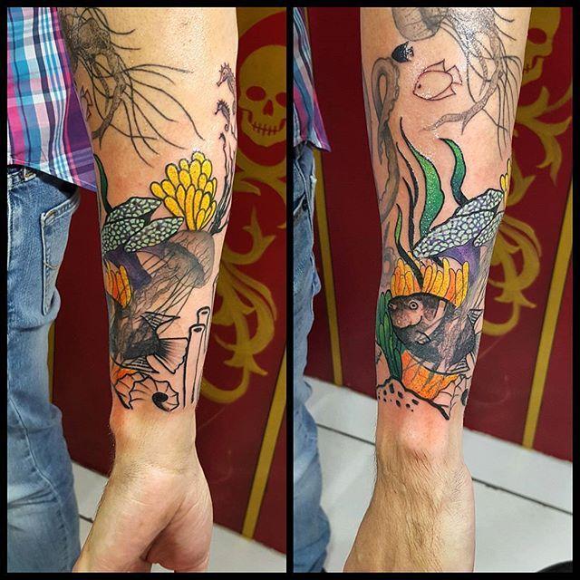 #mulpix Em andamento e reforma by @renetattoo  #sevenstarstattoo  #brasiltattoo  #tattoo  #tatuagem  #sptattoo  #spink  #saopaulo  #tattoobrasil  #tattooing  #tattooink  #tattooist  #tattoo2me  #tattoolife  #tattoomagazine  #tattoodo  #aquatico  #nautico  #mar  #masculino  #colorido  #freehand  #maolivre  #fechamento  #emandamento  #fullcolor  #ink  #inked