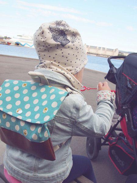 Jeder junge Abenteurer geht gern auf Erkundungstour. Auf diesen Abenteuern darf ein kleiner Rucksack, für die wirklich wichtigen Dinge im Leben der Kinder nicht fehlen. Ob Lieblingskuscheltier,...