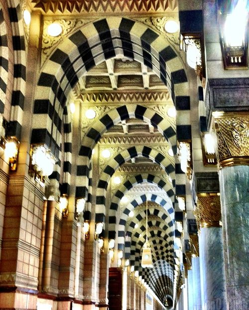 My first visit to Masjid-Un-Nabawi (-:  BEAUTIFUL!!!