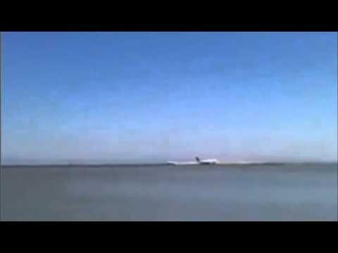 Amateur Video - Boeing 777 Asiana Airlines Flight 214 Plane Crash (Raw V...