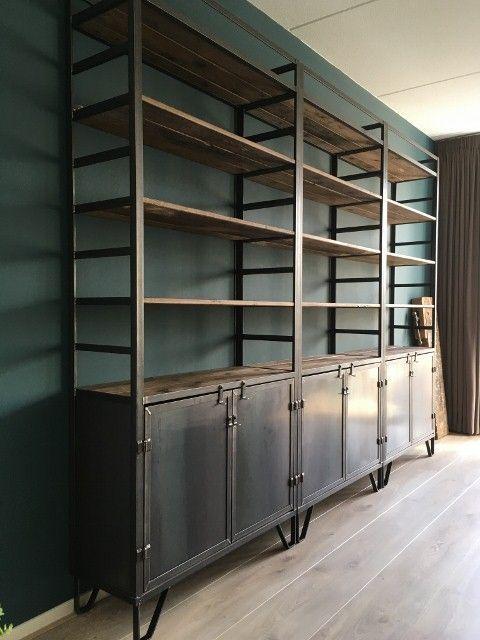 Grote Industriele Kast.Grote Stalen Kast Kast In 2019 Metal Bookcase Industrial Closet