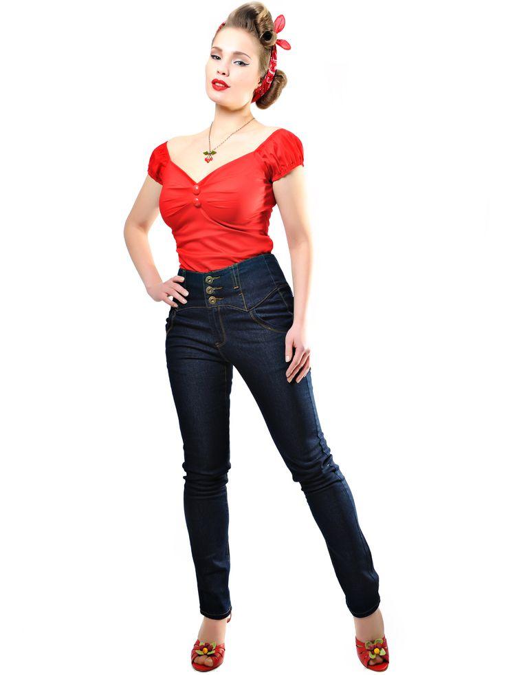 Todella näyttävät Rebel Kate Farkut ovat vertaansa vailla! 3 nappia, korkea vyötärö ja näyttävät leikkaukset tekevät näistä farkuista todella mahtavat!