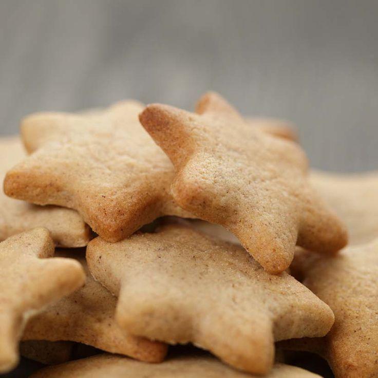 Biscuits étoilés à la cassonade   .coupdepouce.com