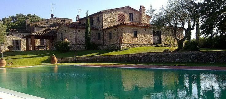 Villa dell'Angelo on ylellisesti entisöity, 1800-luvulla alunperin rakennettu toscanalainen huvila.