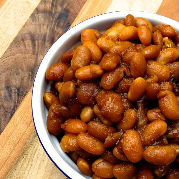 Slow Cooker Vegetarian Boston Baked Beans Recipe Side Dishes with dried beans, onions, brown sugar, molasses, ketchup, yellow mustard, smoked paprika, worcestershire sauce, Balsamico Bianco, salt, pepper