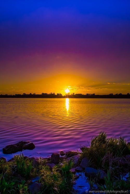 Amazing Attractive Beautiful Eyes Beautiful Girl: Amazing Violet Sunset