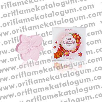 Frezya çiçeklerinin mis kokusuyla dolu #Oriflame You Dazzle Sabun Mart Kataloğunda. http://www.oriflamekatalogum.com/you-dazzle-sabun.html