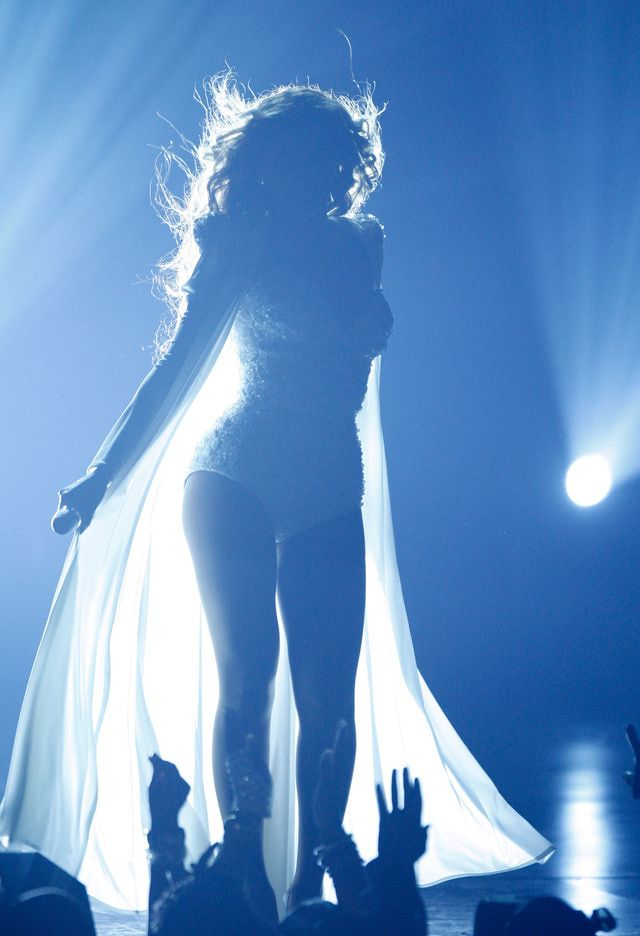 Slideshow of Beyonce Pictures from BET Music Awards and Essence Festival: Beyonce Performing at the BET Music Awards