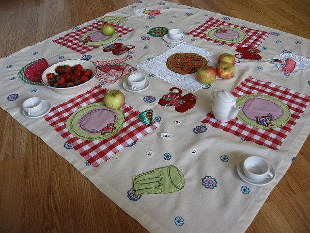 oh goodness this is brilliant!  what a great gift!! could make some felt food & add a tea set