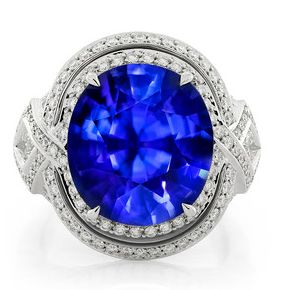 #Discover all #facets of the #deep ocean with #Royal #Pailin #Sapphire by @FlorenceKat #luxury #diamonds