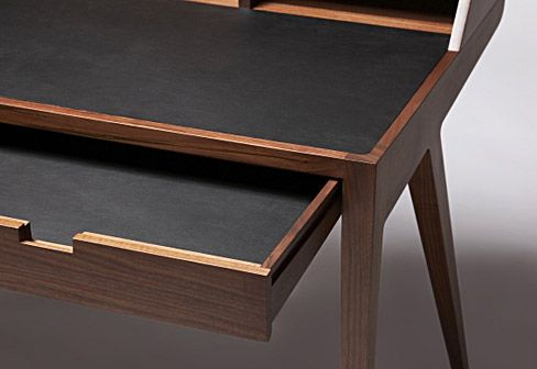 Dare Studio: Katakana Writing Desk