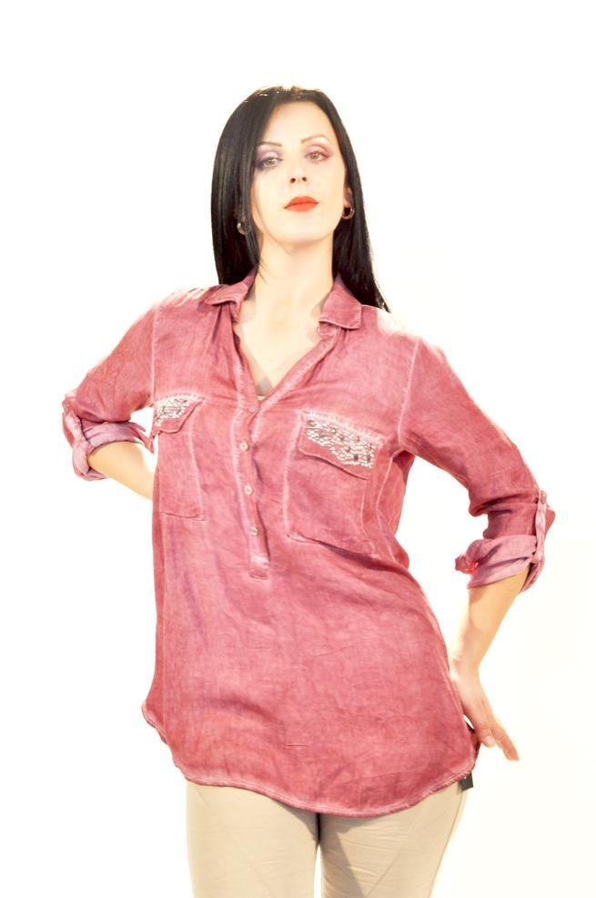 Camasa Dama Pink Pearls  -Camasa dama casual-elegant  -Model din material vaporos ce cade usor pe corp  -Detaliu maneci ajustibile,decolteu in V     Lungime: 71cm  Latime talie: 45cm  Compozitie: 100%Vascoza