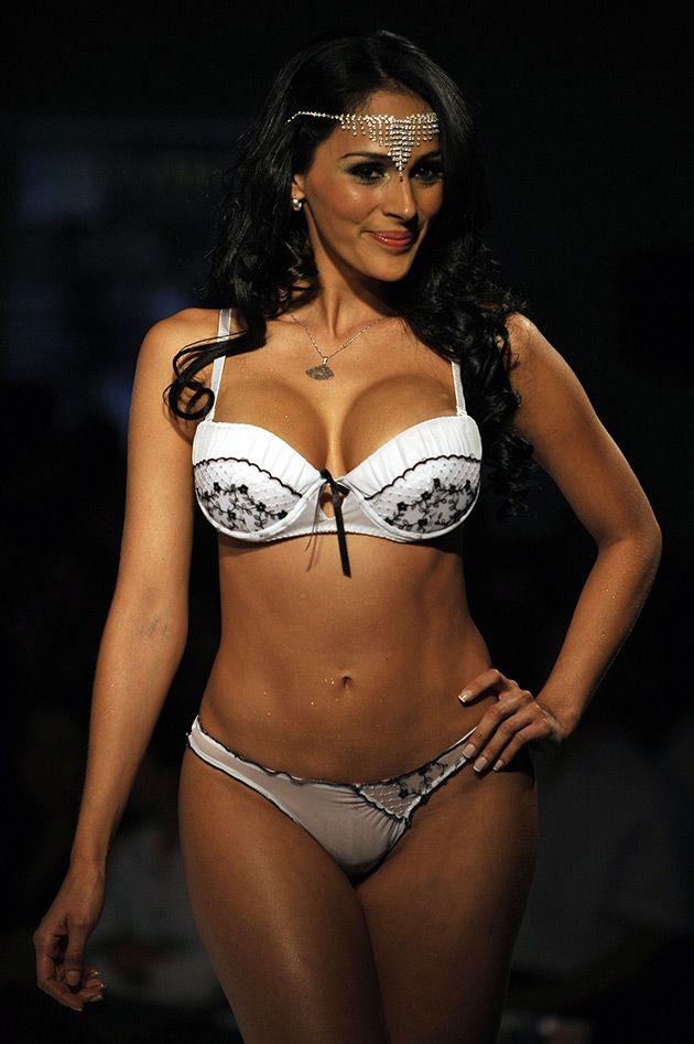 Lenceria colombiana transparente en fotos sensuales for Modelos en ropa interior