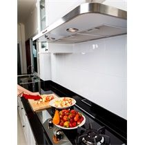 Ha a lakásvásárlás vagy esetleg a konyhafelújítás kellős közepén van, akkor érdemes átgondolnia, hogy beépítse vagy sem az egyes eszközöket.