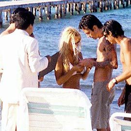 1995; Pamela Anderson and Tommy Lee marry