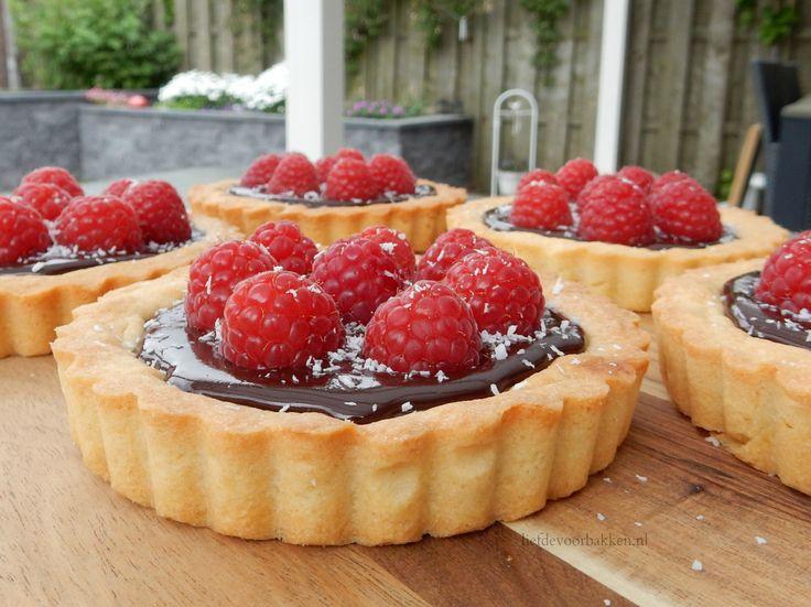Chocolade frambozen taartjes #bakken #baking #taart #vlaai #pie