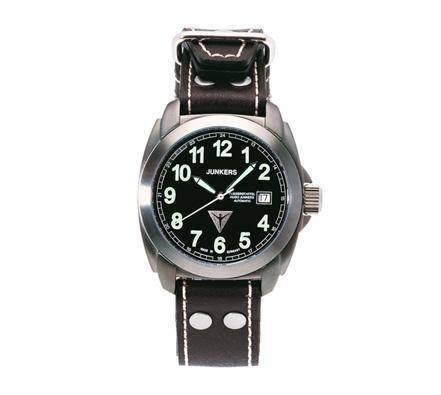 Pilot Junkers Watch. http://www.tutunca.es/reloj-junkers-1st-atlantic-flight-piloto-titanio