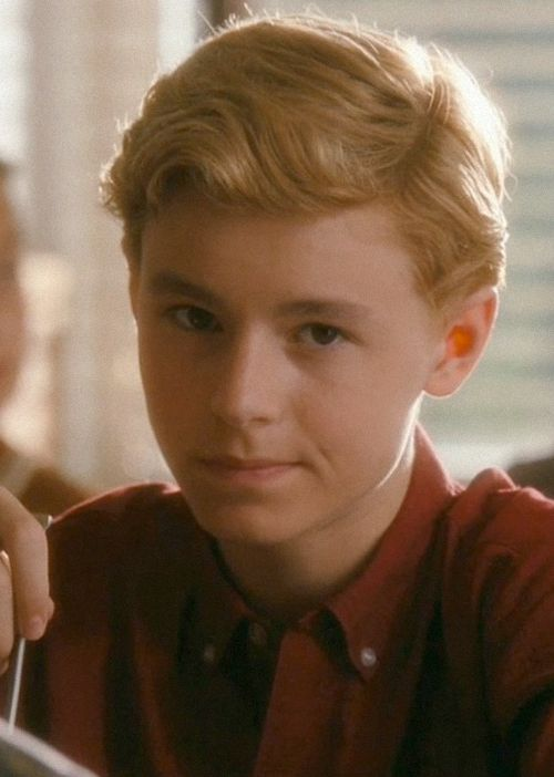 Louis Weasley played by Callan McAuliffe
