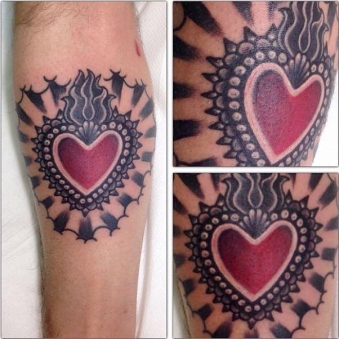 L'amore al di là dell'hashtag. Dalla classica iconografia del tatuaggio ai pixel, dal cuore istoriato come un mandala a quello stilizzato: i tatuaggi dedicati all'amato/a e condivisi su Instagram   foto:    valeriotrizzino