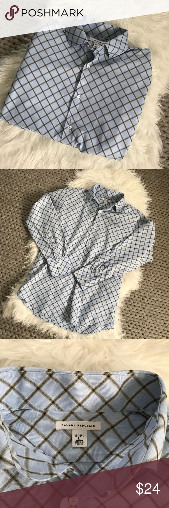 """{ Banana Republic } Blue & Beige Non Iron Shirt { Banana Republic } Blue & Beige Non Iron Shirt. 100% Cotton. Excellent condition. No stains, rips, holes or tears. Non smoking home.  Pit to Pit :23"""" Length: 28"""" Banana Republic Shirts Dress Shirts"""