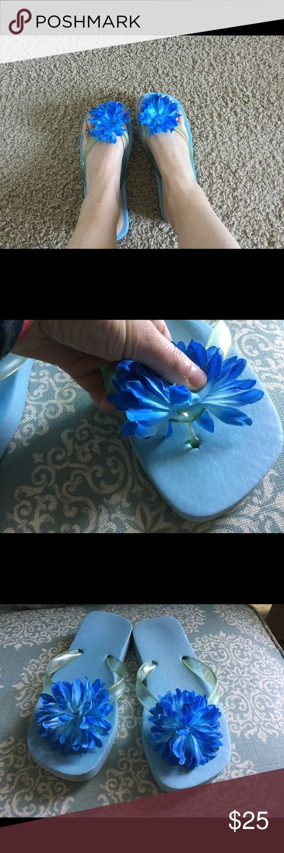 """Super duet flip flops 10 The """"thing"""" that is between the toes has been trimmed"""" as it bothered my feet otherwise Great condition, perfect for the summer,❌NOT lilly but LILLY STYLE ❗️❗️❗️❗️❌💕❌ Lilly Pulitzer Shoes Flats & Loafers"""