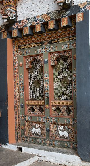Ornate door Bhutan, south Asia   Raphael Bick