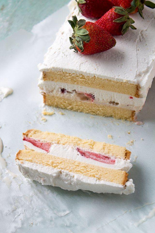 Strawberries & Cream Ice Cream Cake | Layers of pound cake, strawberries, and ice cream make this a decadent and creamy frozen treat | #recipe #icecream #cake #strawberries