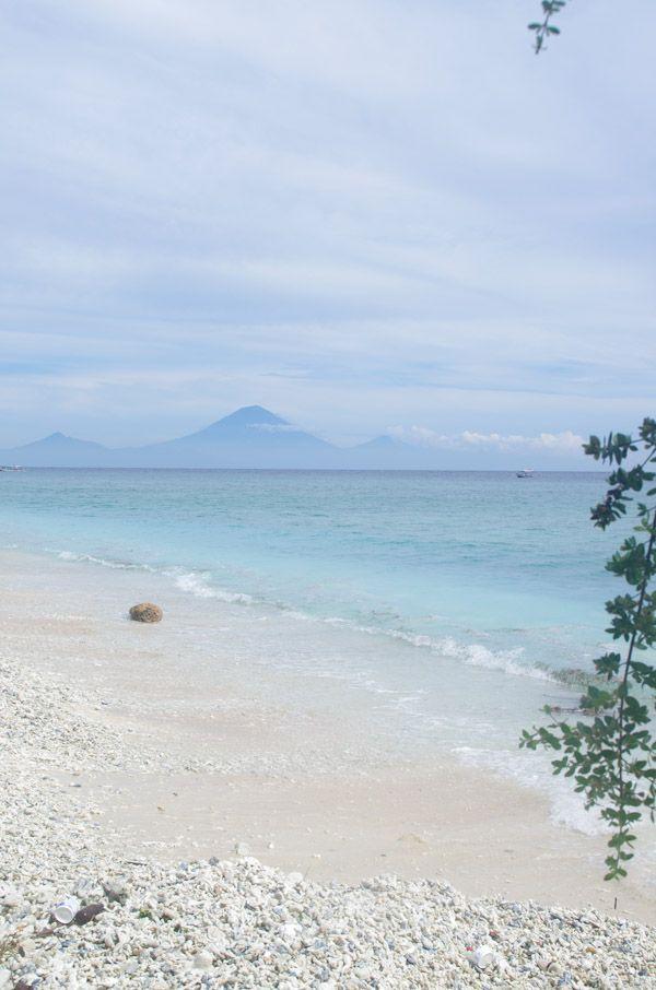 Paradis à Lombok  '88 huwelijksreis naar Indonesië met een start in Singapore, daarna Sumatra, Java, Lombok, Bali en Sulawesi. Wat een ervaring!
