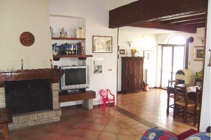 Fraz. Serramazzoni, Dir. Pavullo, Vic.Ze Via Estense, Villa Abbinata di 250mq Con Giardino Privato http://serramazzonese.it/immobile/1737-2/