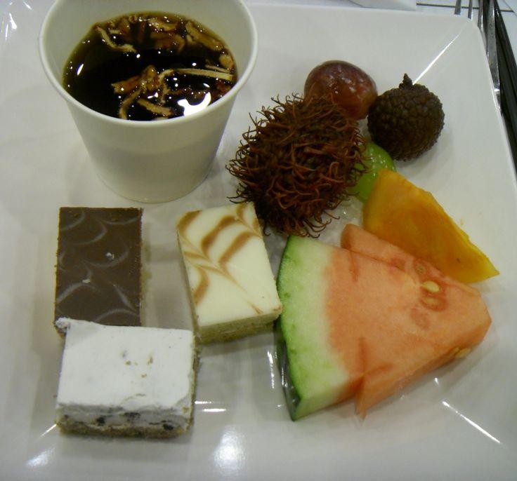 Sujeonggwa (persimmon punch) with dates, rambutan, lychee, grape, sweet persimmon, watermelon, chocolate cakes and oreo fresh cream cake.