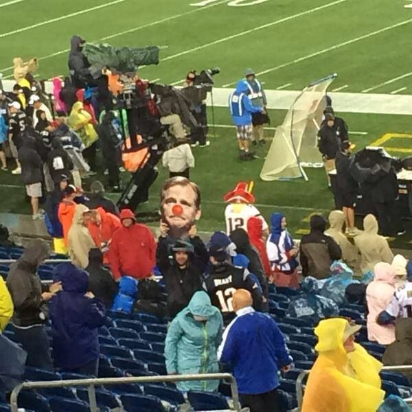 Pats vs Steelers (Is that you Goodell?)