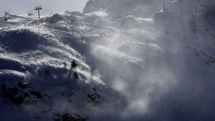 Avalancha sorprendió a esquiadores en Francia