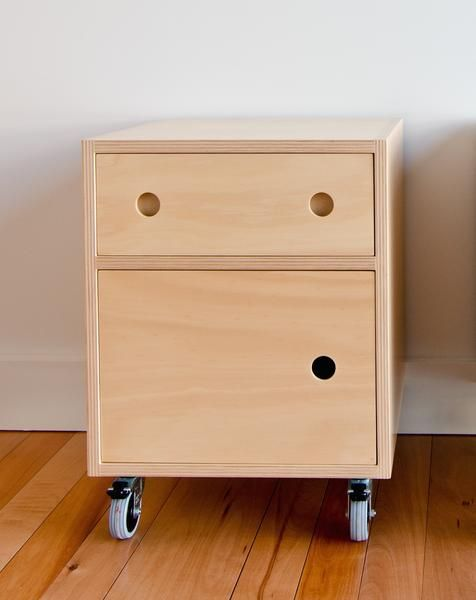 Hoop Pine plywoodbedside cabinet with door 18mm plywood withsoft close drawerSupplied with industrial castors, 2x lockable. Hand finished in Osmo hardwax oil