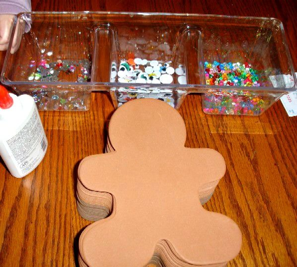 Gingerbread Men Decorations; toddlers, kids and adults. Such fun and soooo cute!!!