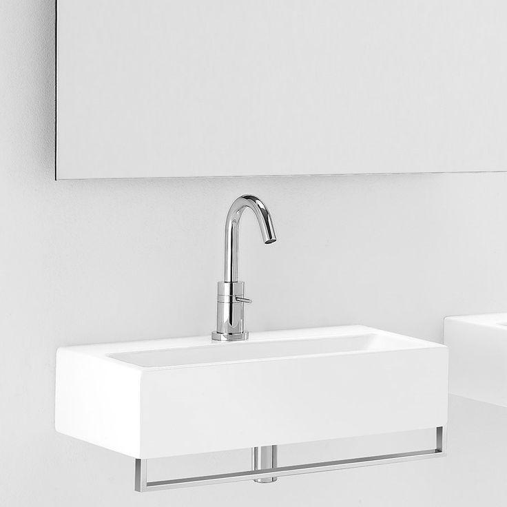 Lille håndvask retangular i porcelæn og med håndklædestang