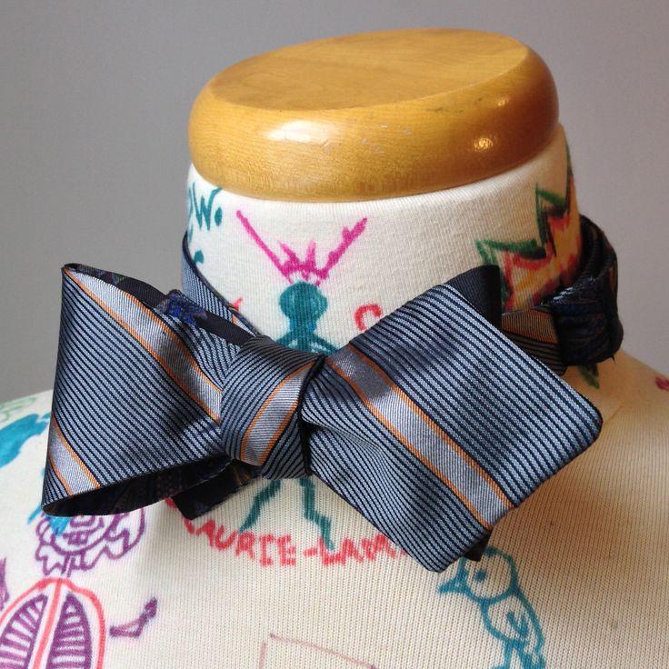 Noeud papillon classique à nouer - réversible ris rayé ornage et fleuri noir et bleu de la boutique MorinNoeudPap sur Etsy