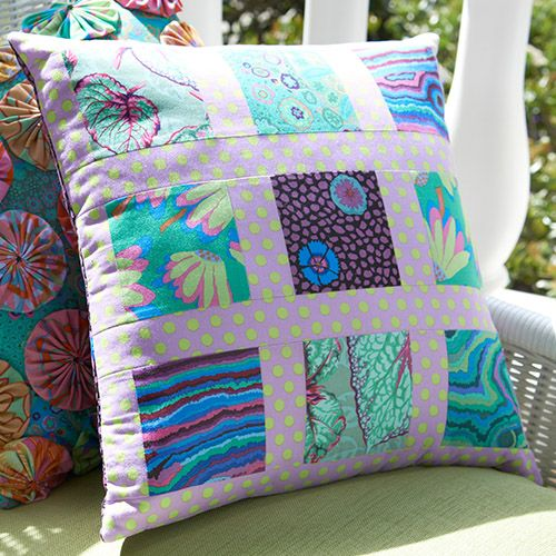 Nine-Square Pillow & 309 best A Quilt - Pillows images on Pinterest | Cushions Quilted ... pillowsntoast.com