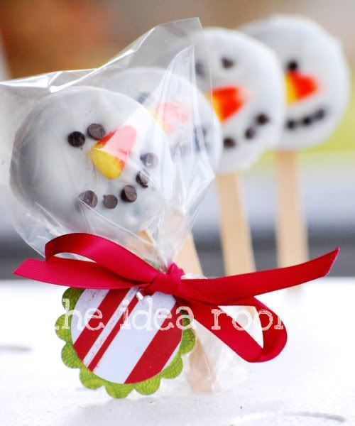 ...White Chocolates, Snowman Pop, Holiday Treats, Snowman Oreo, Oreo Pops, Candy Corn, Candies Corn, Oreo Snowman, Oreo Snowmen