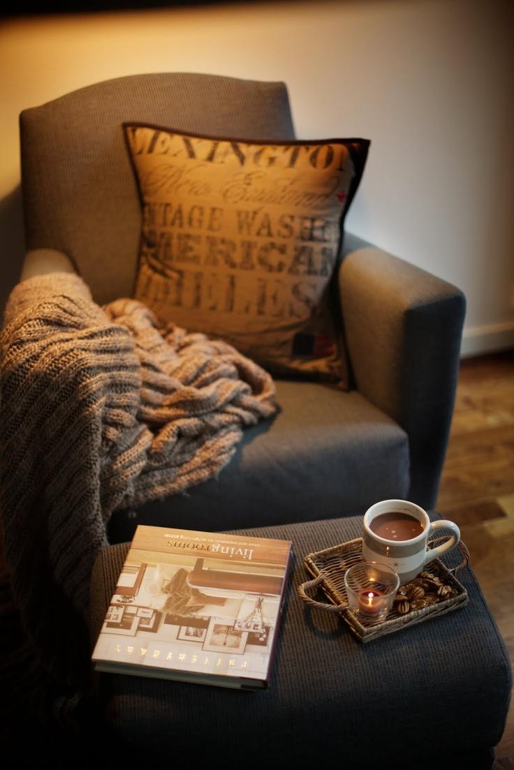 Кофе на диване картинки