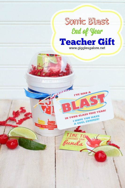 Sonic Inspired End of Year Teacher Gifts with free printable tags - www.gigglesgalore.net