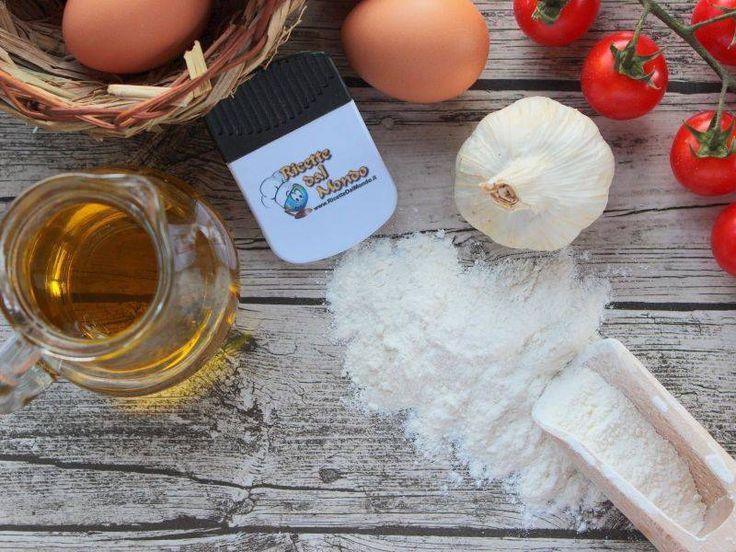 Ricetta Maccheroni con Zucchine e Wurstel: cipolla, piselli, carote, prezzemolo