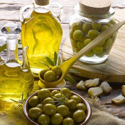 OLIO EXTRA VERGINE DI OLIVA -  L'olio di qualità non si fa solo in Toscana, ma anche sulle colline di Castelvetro di Modena!