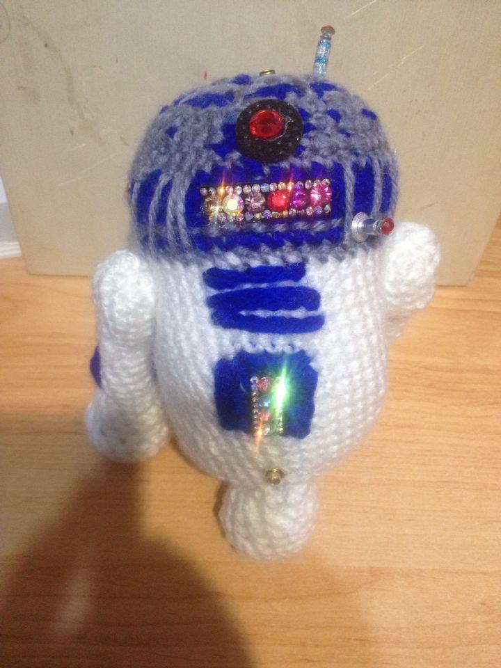 R2-D2 hecho con Lana