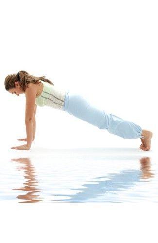 6 Gerakan Yoga yang Mudah Dilakukan di Rumah 6