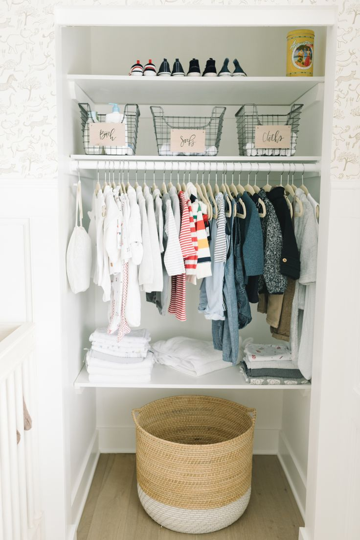 organization ideas for a baby's clset  Photography : Anne-Marie Bouchard of AMBphoto Read More on SMP: http://www.stylemepretty.com/living/2016/09/29/how-to-add-a-personalized-touch-to-your-dream-nursery/